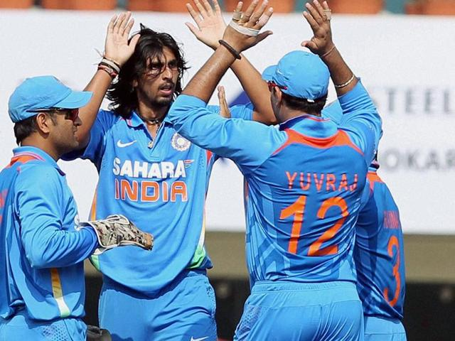 Ishant-Sharma-celebrates-with-teammates-after-dismissing-England-batsman-KP-Pietersen-during-the-3rd-ODI-cricket-match-at-JSCA-Stadium-in-Ranchi-PTI-Swapan-Mahapatra