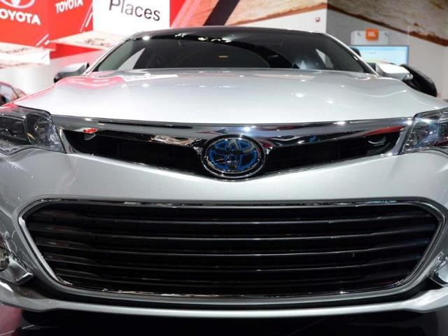 A-Toyota-Avalon-hybrid-car-on-display-at-the-2013-North-American-International-Photo-AFP