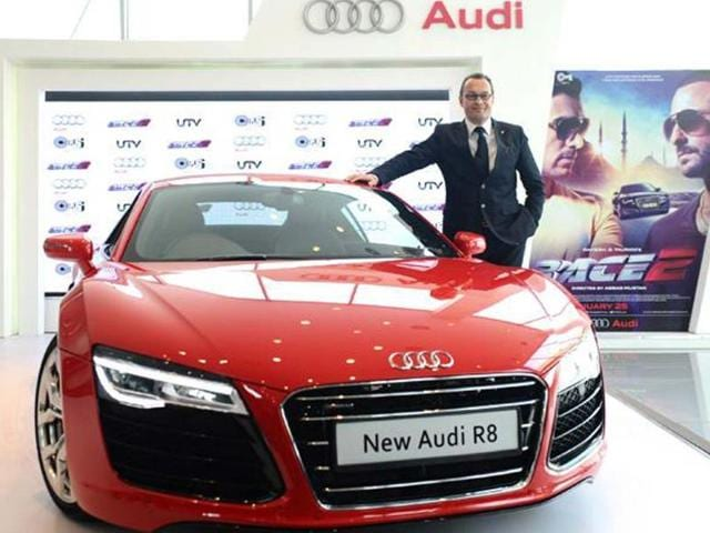 Facelifted-R8-prices-start-at-Rs-1-34-crore-for-the-V8-model