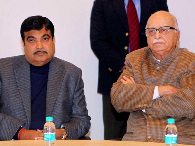 Uproar in Lok Sabha: Advani asks Rahul to control his MPs in Lok Sabha
