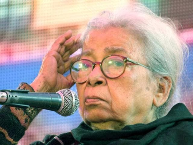 Renowned-Bengali-author-Mahasweta-Devi-delivers-keynote-address-during-the-inauguration-of-DSC-Jaipur-Literature-Festival-in-Jaipur