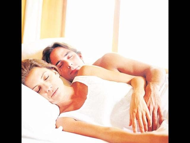 A-couple-in-bed