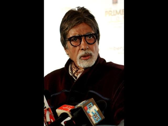 Bollywood-film-actor-Amitabh-Bachchan-speaks-during-felicitation-as-the-winner-of-India-s-Prime-Icon-by-Big-CBS-Prime-in-Mumbai-AFP-PHOTO