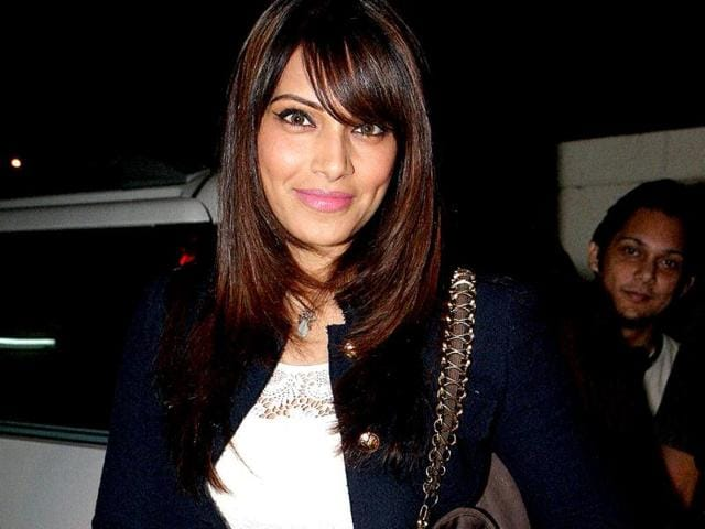Bipasha-Basu-at-the-launch-of-first-theatrical-trailer-of-her-film-Aatma-set-to-release-on-March-22-2013