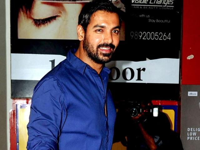 Bollywood-actor-John-Abraham-arrives-for-a-special-screening-of-his-film-Race-2-directed-by-Abbas-Mustan-AFP-PHOTO