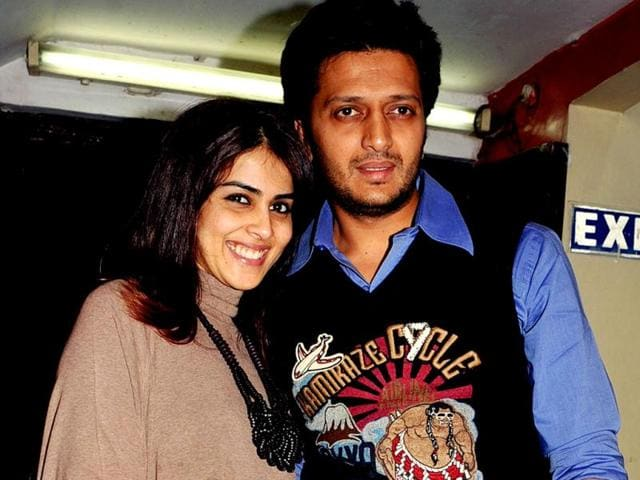 Bollywood-actor-Ritesh-Deshmukh-R-with-wife-Genelia-Dsouza-arrives-for-a-special-screening-of-Race-2-AFP-PHOTO