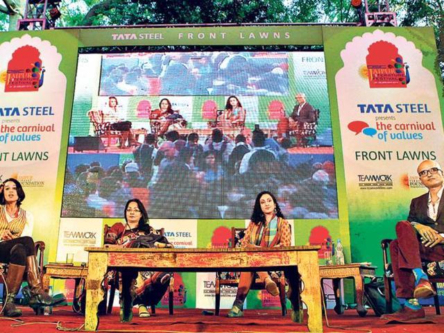 Pakistanis seek friendship with India: Fahmida Riaz