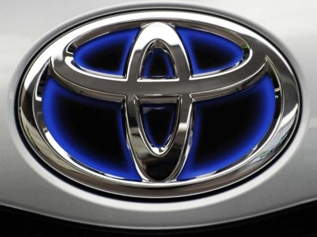 Toyota wins back world's top auto sales GM