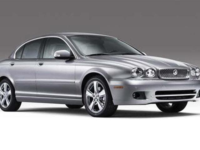 Jaguar-s-BMW-3-series-rival-inches-closer