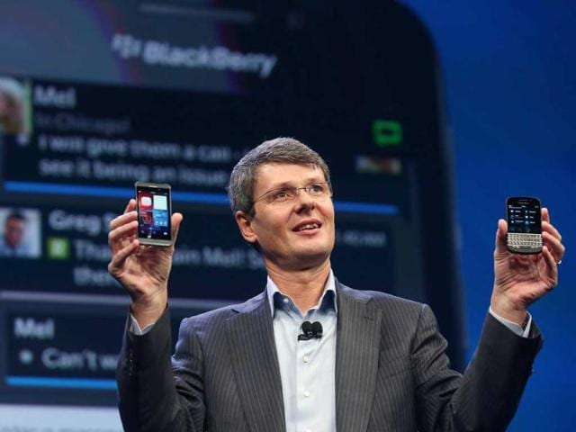 BlackBerry-CEO-Thorsten-Heins-displays-the-new-Blackberry-10-smartphones-at-the-BlackBerry-10-launch-event-by-Research-in-Motion-at-Pier-36-in-Manhattan-in-New-York-City-AFP-Photo