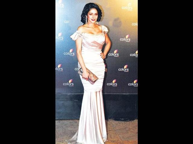 Sridevi-looks-beautiful-at-the-Colors-Fourth-anniversary-celebrations-in-Mumbai-Sridevi-s-comeback-movie-English-Vinglish-helped-her-come-back-to-the-fashion-and-style-stage