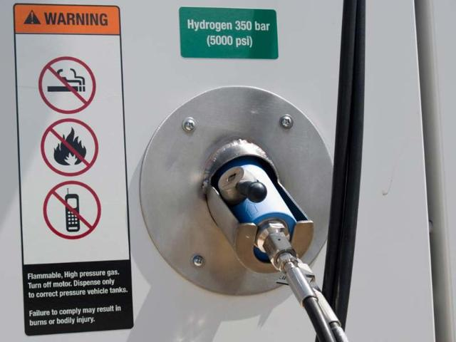 UK expects sales of 1.5 million hydrogen-powered vehicles by 2030
