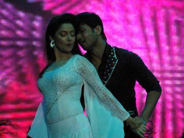 Pavitra-Rishta-actress-Ankita-Lokhande-performs-at-the-event