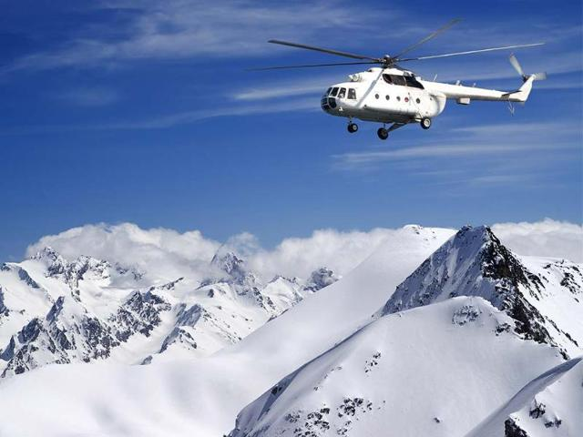 Heli-skiing-offers-a-luxurious-way-to-skip-the-resort-crowds-and-experience-the-thrills-of-backcountry-peaks-Photo-AFP-Lizard-shutterstock-com