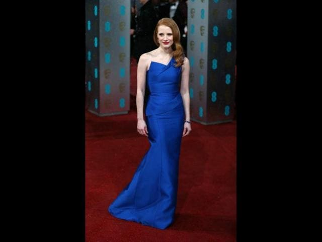 Jessica-Chastain-looked-stunning-in-an-electric-blue-gown