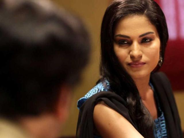 Veena Malik seeks solace in Bhagavad Gita
