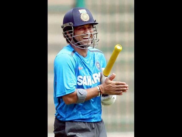 Master-blaster-Sachin-Tendulkar-and-Virat-Kohli-during-a-training-camp-ahead-of-the-test-series-against-Australia-at-Chinnaswamy-Stadium-in-Bengaluru-PTI