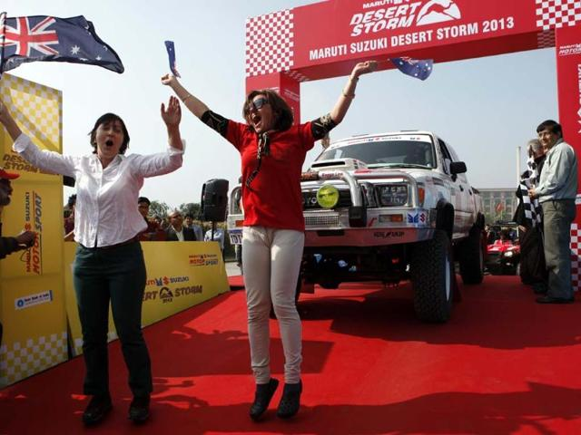 Supports of drivers cheering at the Flag off ceremony of the 11th Desert strom. HT/M Zhazo