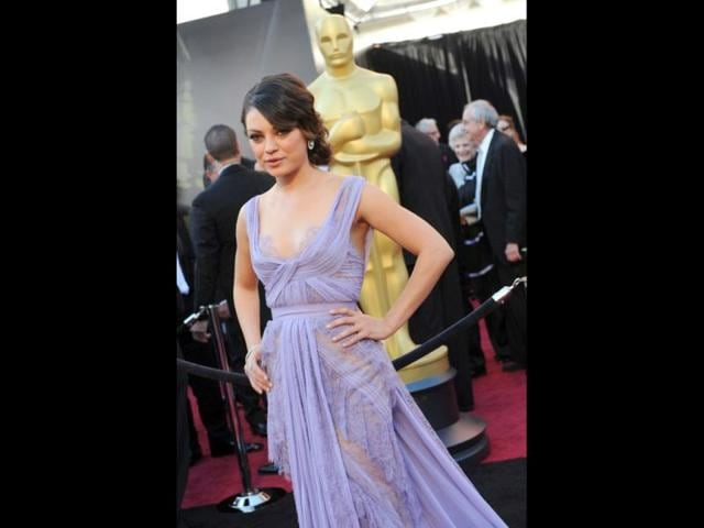 Actress-Mila-Kunis-arrives-on-the-red-carpet-for-the-83rd-Annual-Academy-Awards-held-at-the-Kodak-Theatre-on-February-27-2011-in-Hollywood-California-AFP-PHOTO