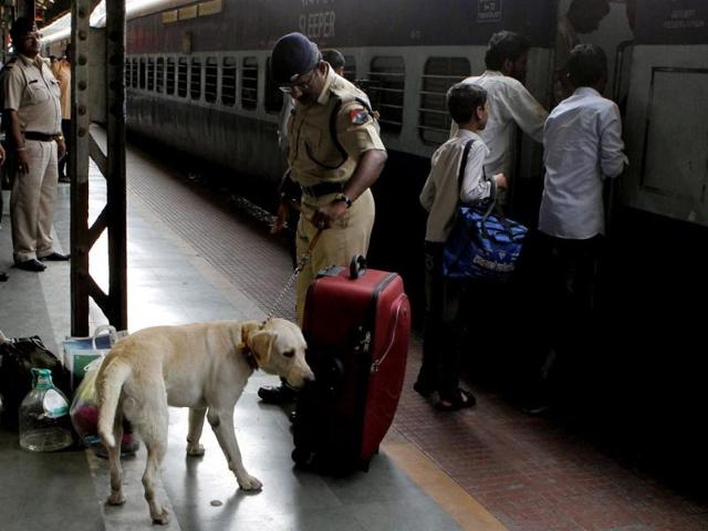 Railway Protection Force,RPF,Government Railway police. GRP
