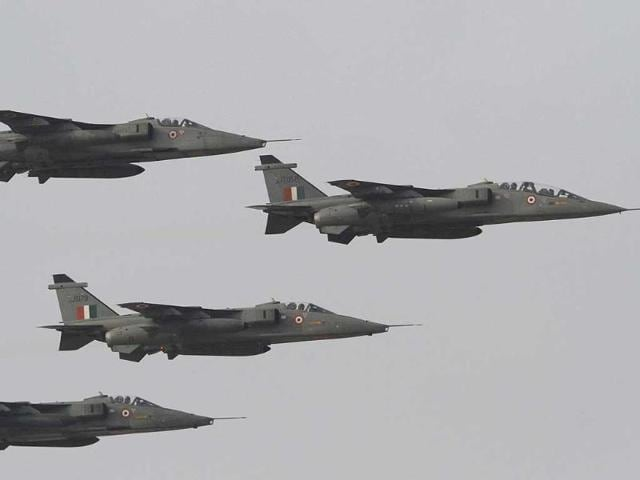 iaf s jaguar plane crashes near bhuj pilot safe india hindustan