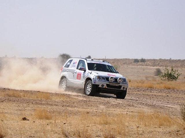 Suresh-Rana-took-his-third-Desert-Storm-victory-in-his-Maruti-Suzuki-Grand-Vitara-HT-Photo