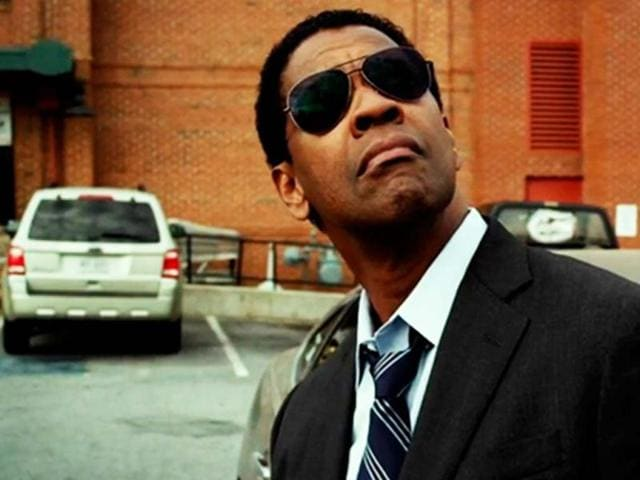 Denzel-Washington-has-once-again-been-nominated-for-the-Academy-award-for-his-role-in-Flight-where-he-plays-Whip-Whitaker-an-airline-pilot-who-saves-a-flight-from-crashing