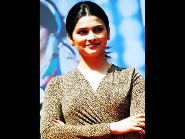 Prachi-Desai-at-Hindu-College-Delhi-University-promoting-her-upcoming-film-I-Me-Aur-Main