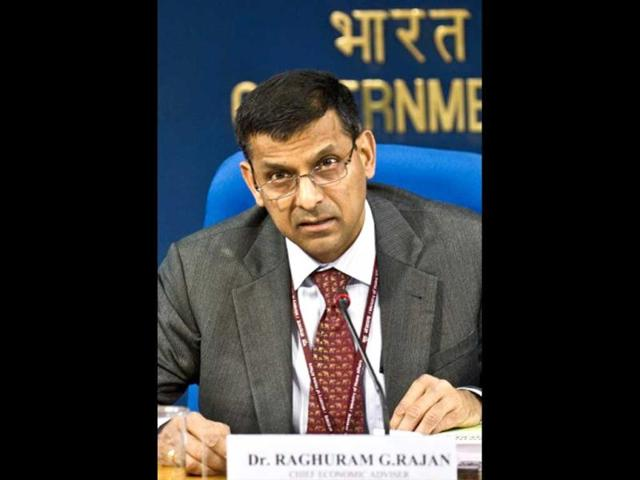 Rajan holds sway over markets; Re at 2-week high, Sensex above 19K