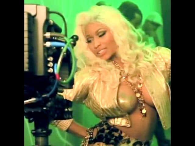 Nicki Minaj goes topless for new music video