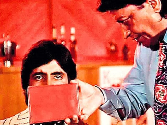 This-my-friend-is-the-real-size-of-the-Budget-briefcase-Scene-from-Don-1978