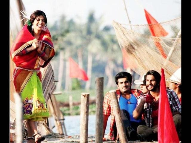 Priyanka Chopra, Ranveer Singh and Arjunn Kapoor have donned desi looks for their upcoming film, Gunday.