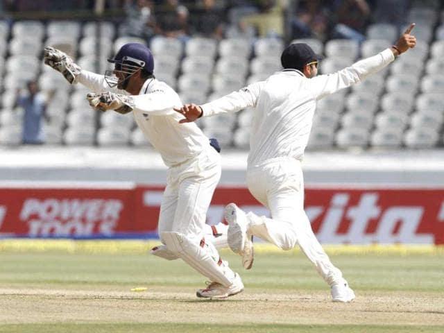 Skipper Dhoni out of reach, even for Virat Kohli