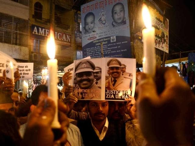 People-participate-in-a-candle-light--march-in-support-of-the-slain-DSP-Zia-ul-Haq-at-old-city-in-Lucknow-HT-photo-Deepak-Gupta