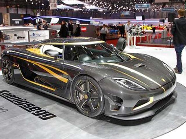 Koenigsegg-showcases-Agera-S-Hundra