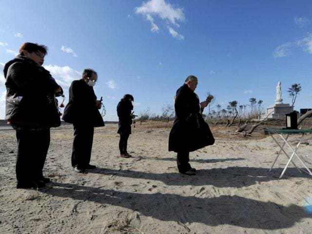 Japan marks 2 years since tsunami with silence,hindustantimes,news