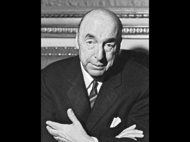 Pablo-Neruda-talking-with-the-journalists-after-being-awarded-the-1971-Nobel-Literature-Prize-AFP-photo