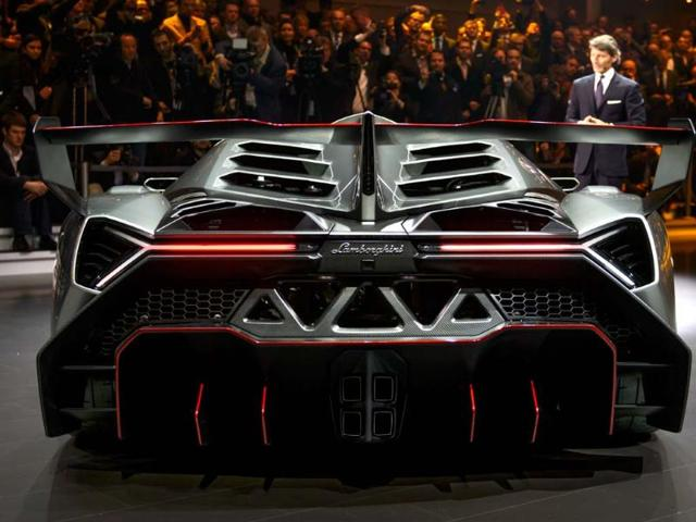 Big engines ultimate in luxury,super-luxury engines,hybrid supercar