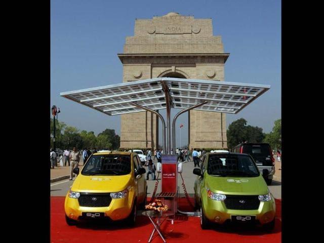 Mahindra Reva 'e2o' cars during their launch at India Gate in New Delhi on Monday. Photo: PTI/ Manvender Vashist