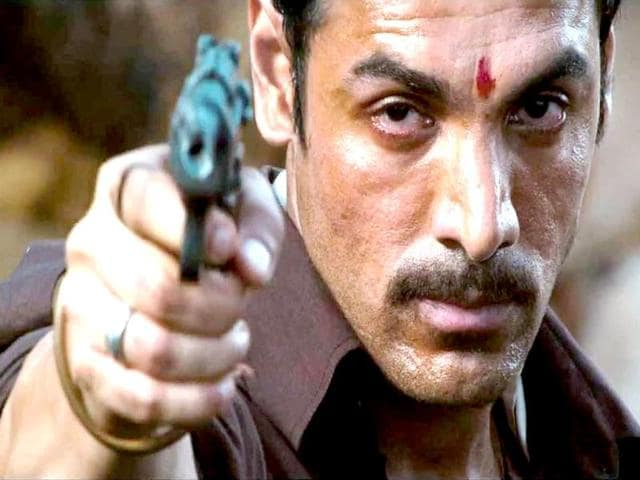 Hera-Pheri-2000-Starring-Akshay-Kumar-Paresh-Rawal-Sunil-Shetty-and-Tabu-the-film-is-one-of-Bollywood-s-best-ever-comedy-movies