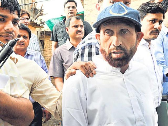 Suspected-Hizbul-Mujahideen-terrorist-Liyaqat-Shah-who-was-arrested-in-Gorakhpur-is-seen-in-New-Delhi-HT-Sunil-Saxena