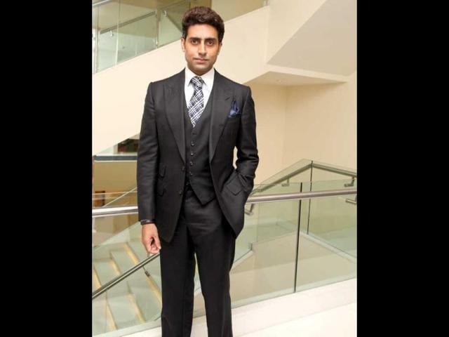 Abhishek-Bachchan-with-Big-B