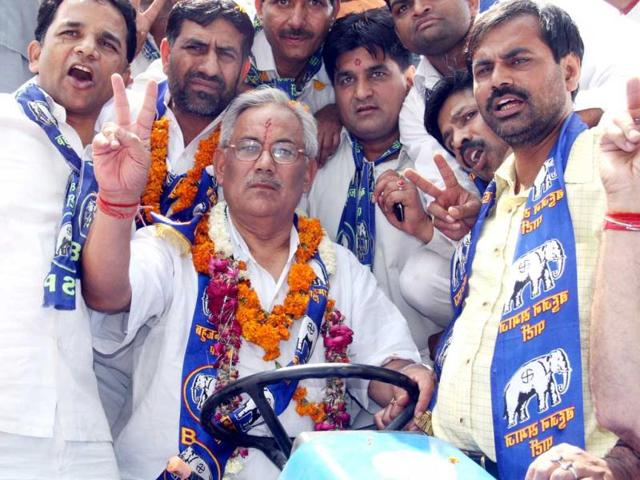 Yoga guru detained in BSP leader's murder case