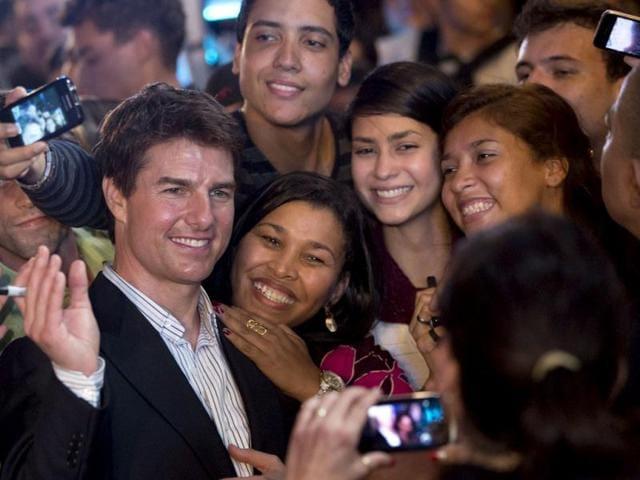 Tom Cruise,Olga Kurylenko,Joseph Kosinski