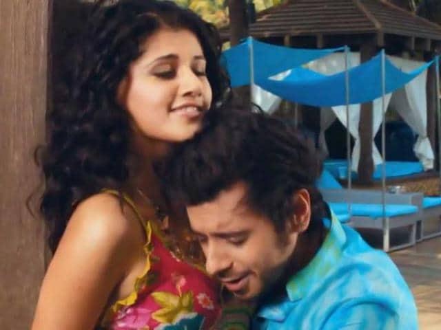 CHASHME BADDOOR,critics' review chashme baddoor,ali zafar