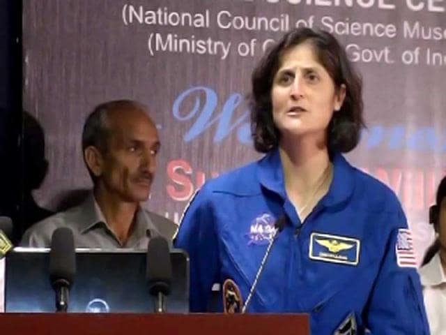 Indian American astronaut Sunita Williams arrived in India on Monday. Williams visited the National Science Centre in New Delhi, where she interacted with a select group students and teachers. Talking to the enthusiastic crowd she expressed her desire to visit the Mars, which is her ultimate goal.