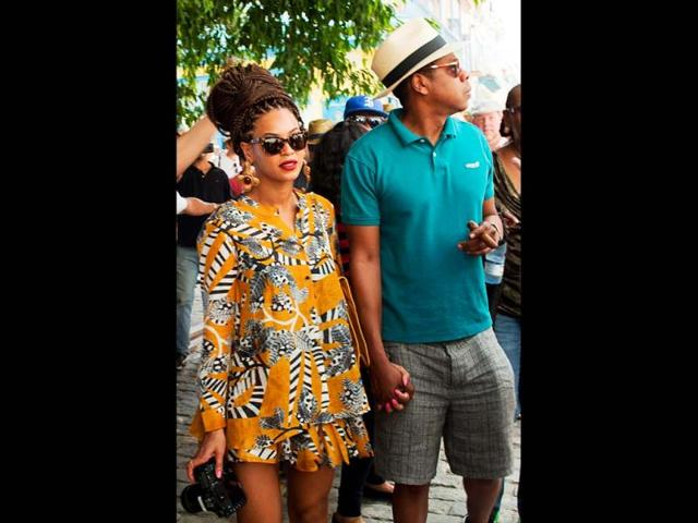Picture-Perfect-Beyonce-with-her-husband-Jay-z-holding-hand-and-enjoying-her-fifth-wedding-anniversary-AP-Photo