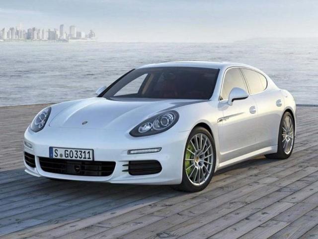 The-Porsche-Panamera-S-E-Hybrid-Photo-AFP