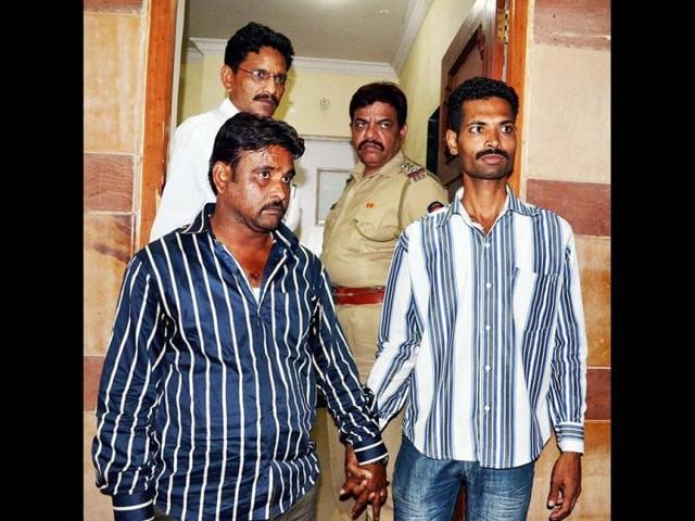 Builder-Jamil-Qureshi-being-arrested-by-police-from-Uttar-Pradesh-who-is-allegedly-involved-in-collapsed-building-in-Mumbra-in-Thane-PTI-Photo