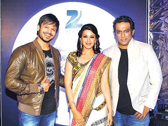 Vivek-Oberoi-Sonali-Bhendre-and-Anurag-Basu-India-Best-Dramebaaz-judges-HT-Photo
